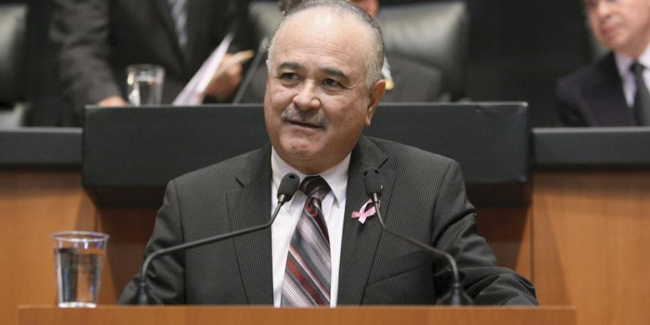 """Impugna Ruffo proceso """"amañado"""" en el PAN"""