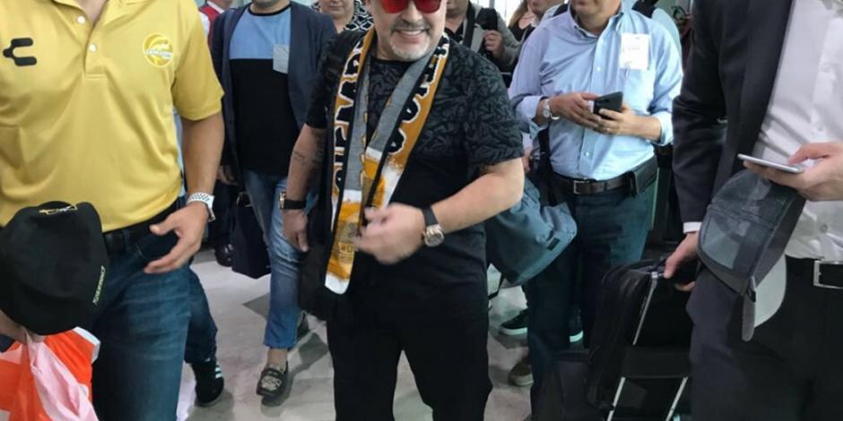 FOTOS: Maradona ya está en México para dirigir a Dorados
