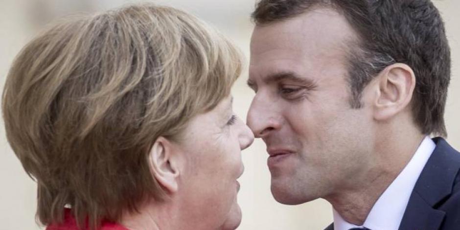 Merkel frena ambiciosa reforma de la UE que abandera Macron
