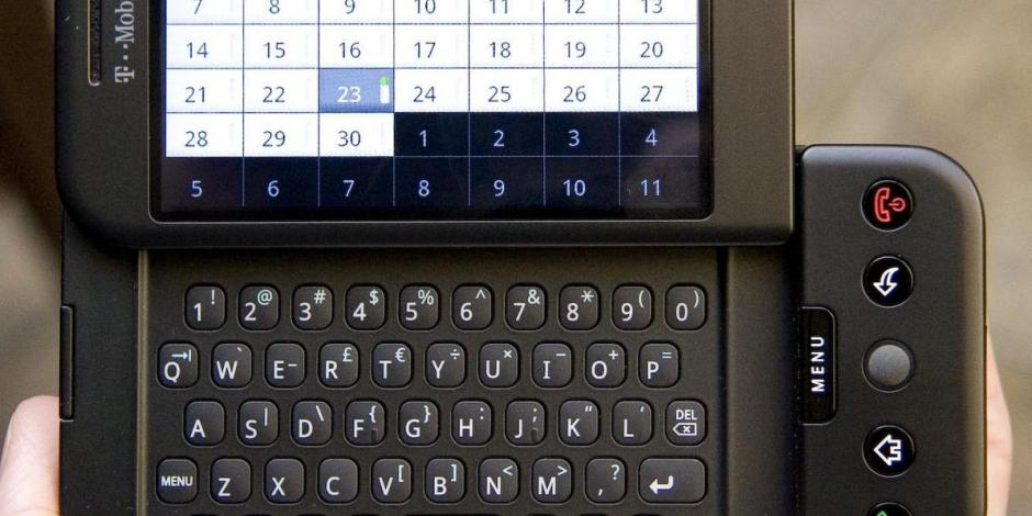 The first Android phone was an ugly thing, and I loved it - CNET