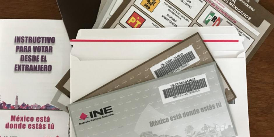 Mexicanos en el extranjero comienzan a recibir paquetes para votar