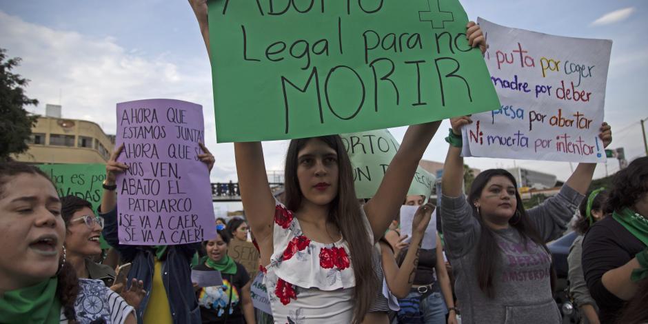 Propone senadora perredista despenalización del aborto