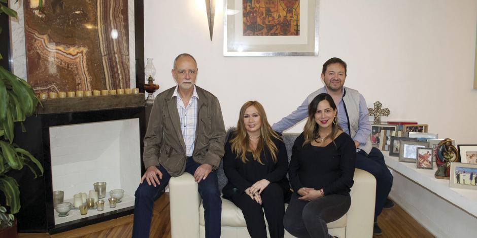 La Fundación Alejo Peralta dona material eléctrico para viviendas