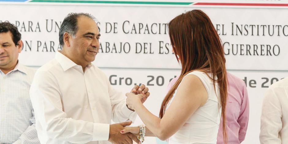 Guerrero trabaja para superar pobreza