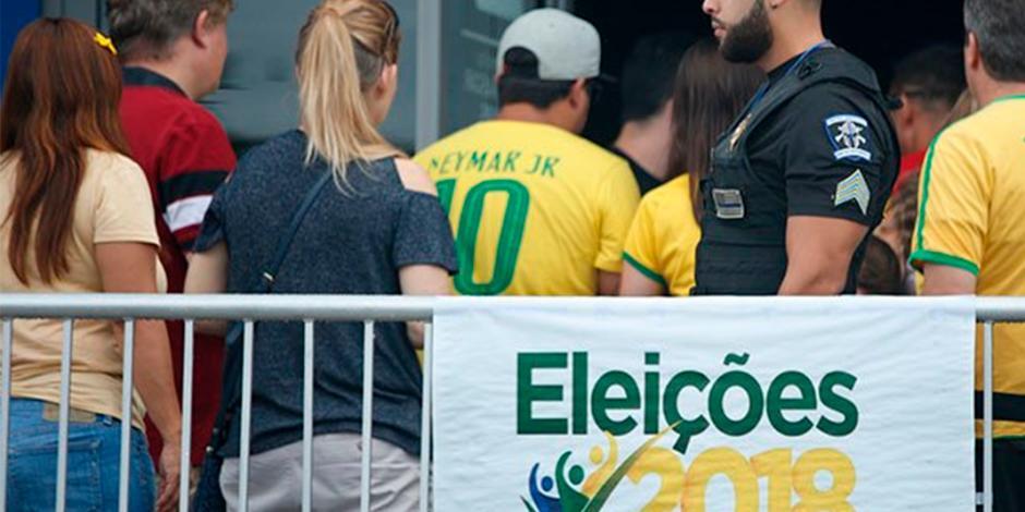 Jair Bolsonaro aún lidera pero reduce su ventaja