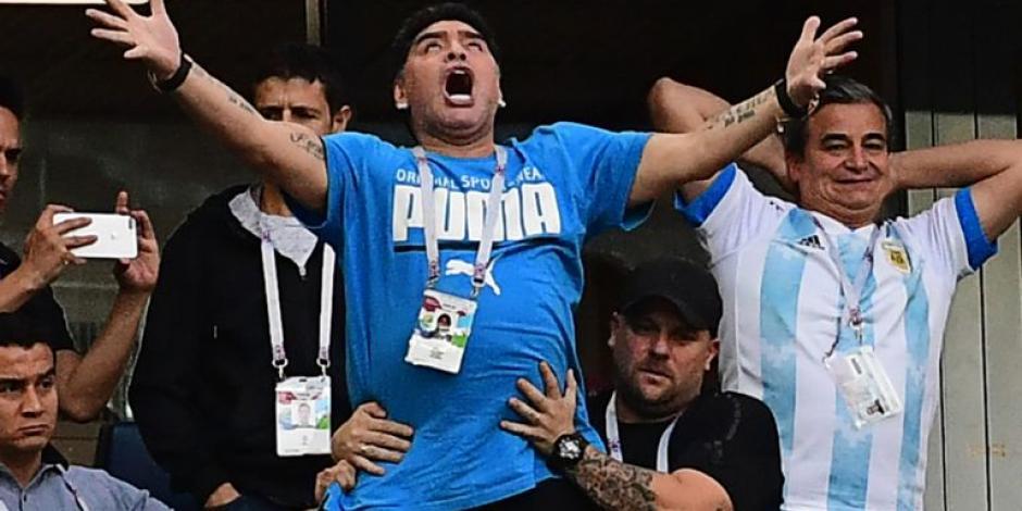 México recibe al exfutbolista argentino con decenas de memes