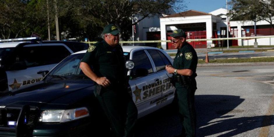 Adolescente dispara con un rifle a su compañero de escuela en California