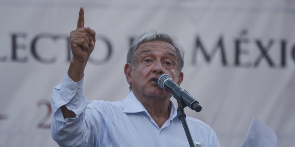 Obrador reprueba adquisición de crudo en el extranjero