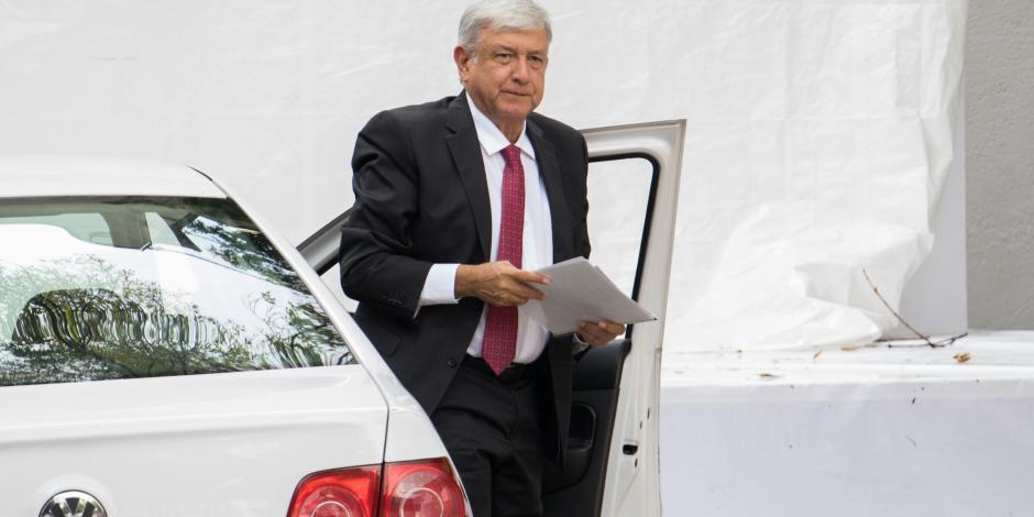 López Obrador y su equipo revisan agenda de trabajo