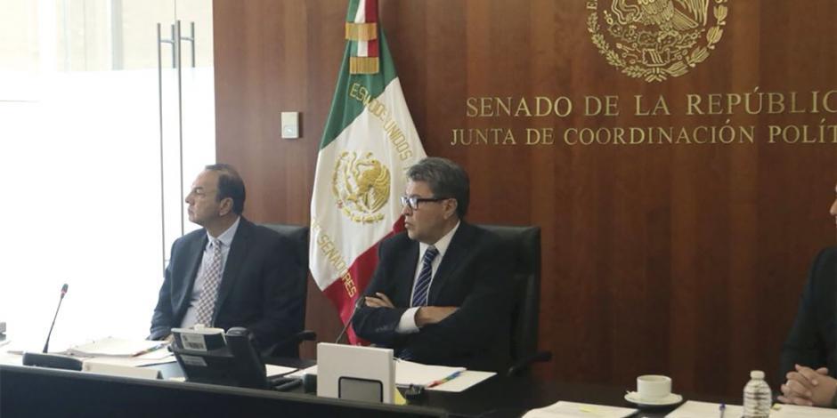 Amarra Morena casi la mitad de comisiones en Senado