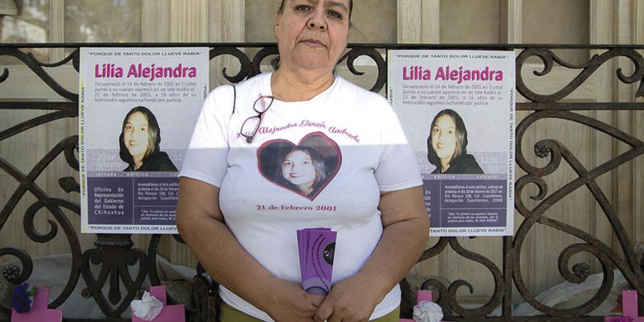 Corral dijo que revisará mi caso, pero no cuándo: madre de desaparecida