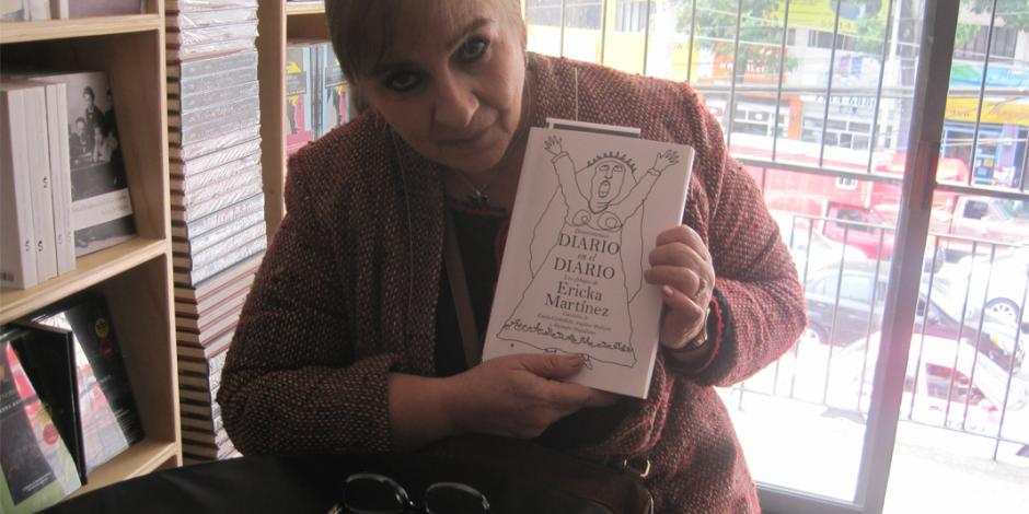 Ericka Martínez presenta los dibujos que muchos años ilustraron la cartelera del Canal Once