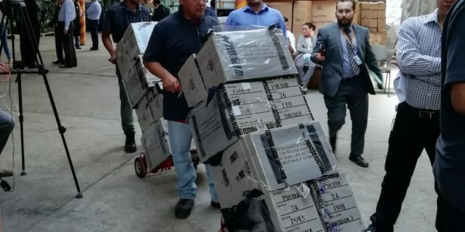 Trasladan a CDMX y Edomex paquetes electorales de Puebla