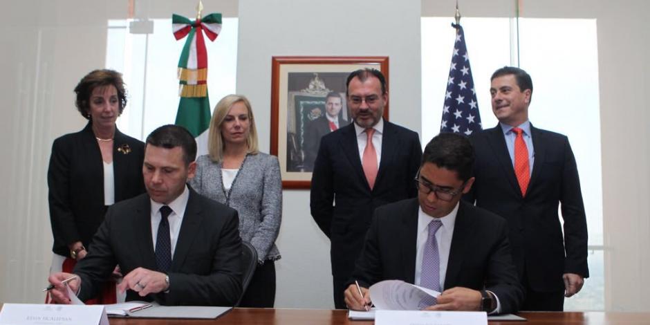 Acuerdan México y EU agilizar comercio fronterizo