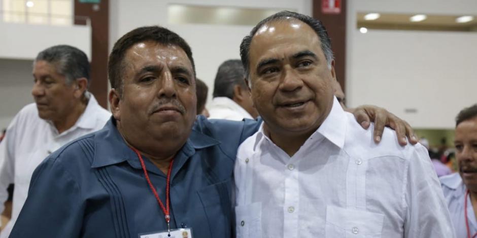 Reconoce Astudillo Flores a docentes con 25, 30 y 40 años de servicio