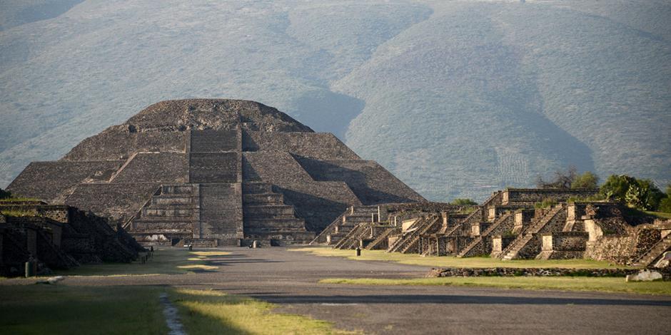 Bajo la Pirámide de la Luna hay una cámara y un túnel, confirma INAH
