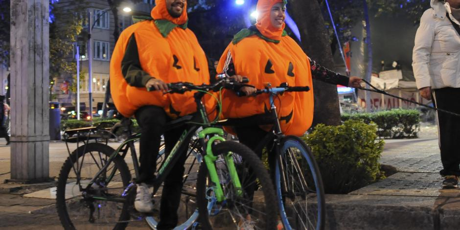 Anuncian concurso de disfraces de Día de Muertos en paseo ciclista nocturno