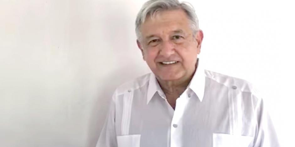 AMLO pide cumplir el pacto sobre aeropuerto