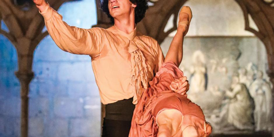 Con Romeo y Julieta unen la etérea danza y magia de la arquitectura