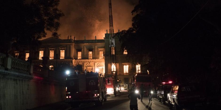 Tras incendio en el museo de Brasil, surgen recriminaciones