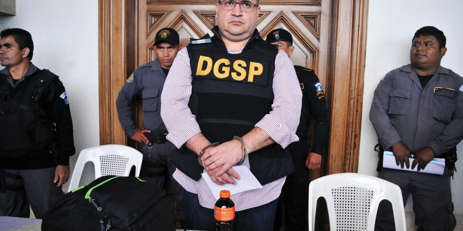Le dan 9 años de cárcel a Javier Duarte; va por reducir condena