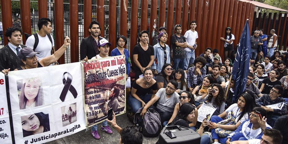 Frenar a porros, exigen estudiantes a diputados