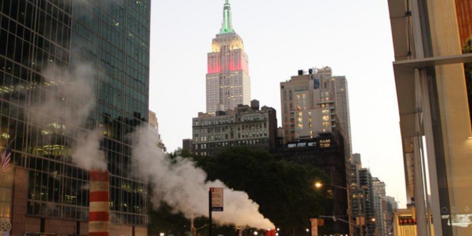 ¡El Empire State se pinta tricolor!