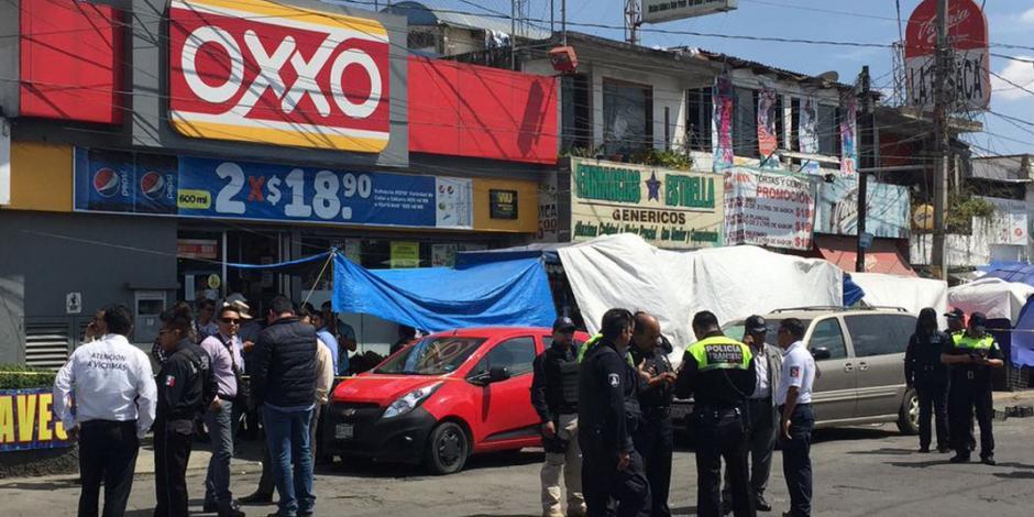 Policía dispara accidentalmente su arma y mata a su compañero en Puebla