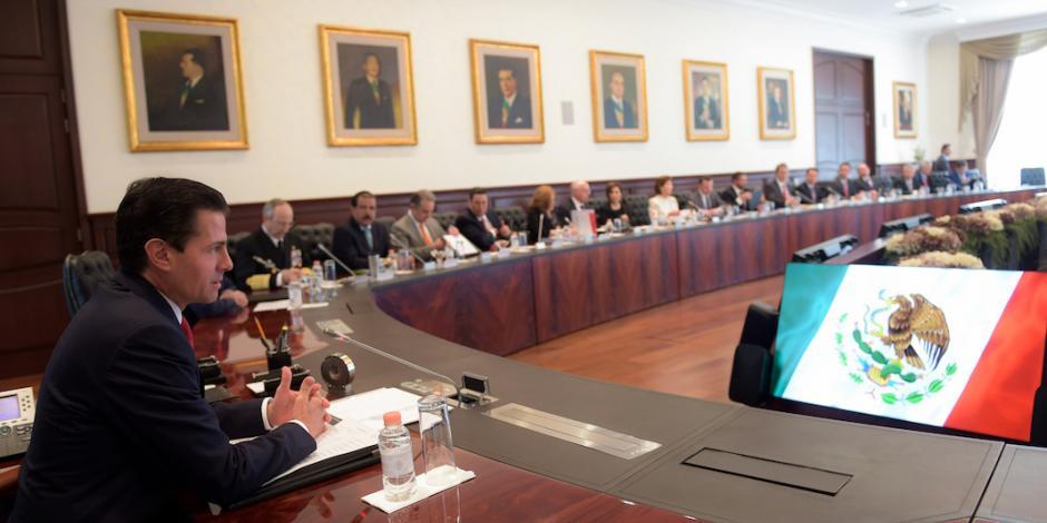 Transición e Informe de Gobierno, temas de reunión de EPN con su gabinete