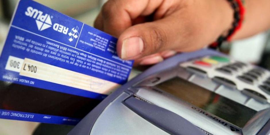 Plantean a bancos cero comisión en tarjetas de débito