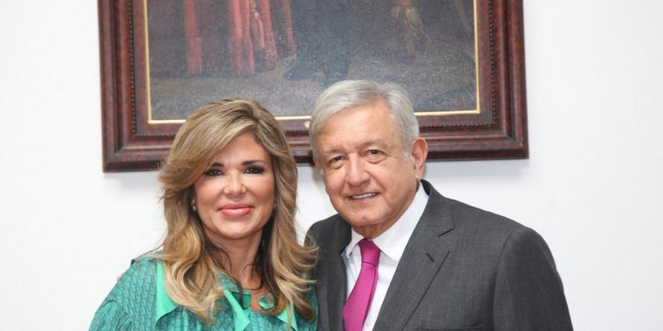 AMLO y Claudia Pavlovich se reúnen; tratan programas para Sonora