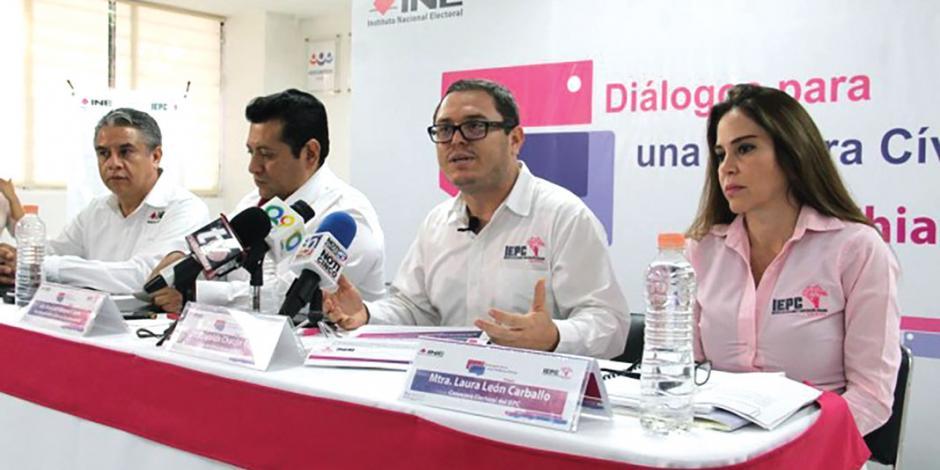 """""""Juanitas"""" de Chiapas desisten  de dejar cargos"""