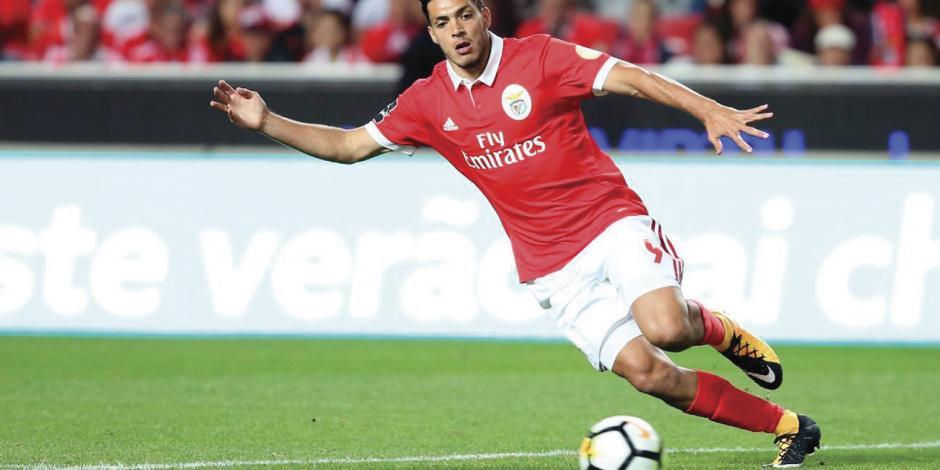 Por baja de juego Jiménez no entra en plan de Benfica