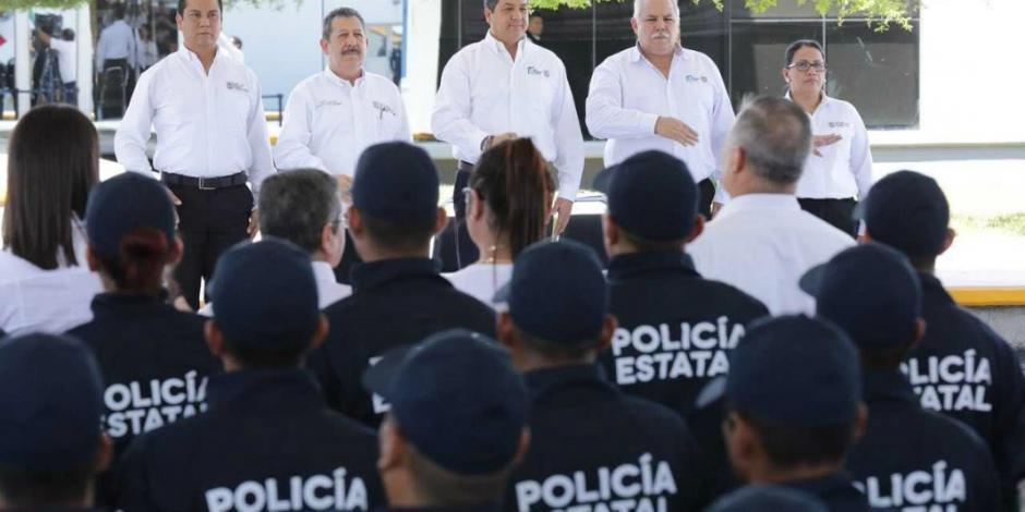 Gobernador de Tamaulipas preside graduación de 171 cadetes de policía