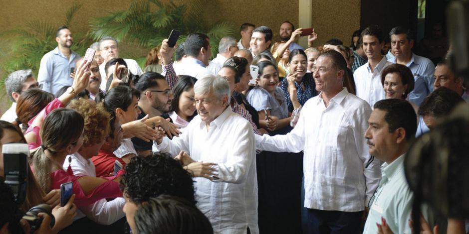 Fortaleceremos seguridad y paz, afirma AMLO al acudir a Sinaloa