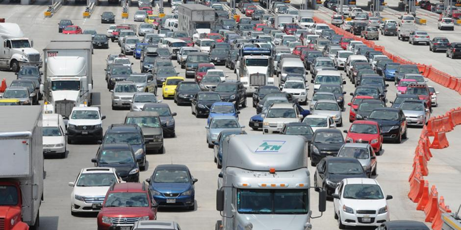 Éxodo de vacacionistas satura la autopista México-Cuernavaca