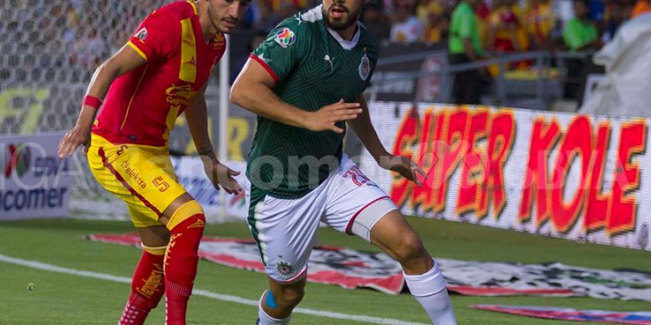 Chivas derrota 2-1 a Morelia y mantiene esperanzas de liguilla