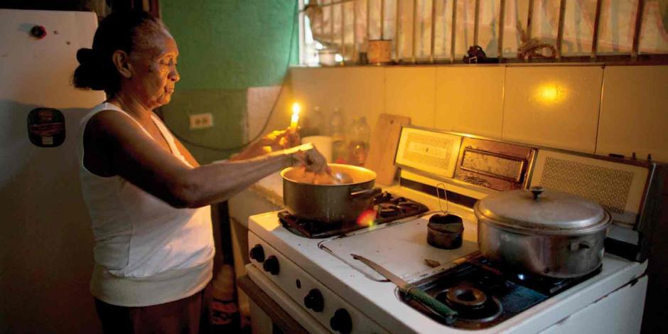 Maduro ordena arrestar a exjefes de central eléctrica
