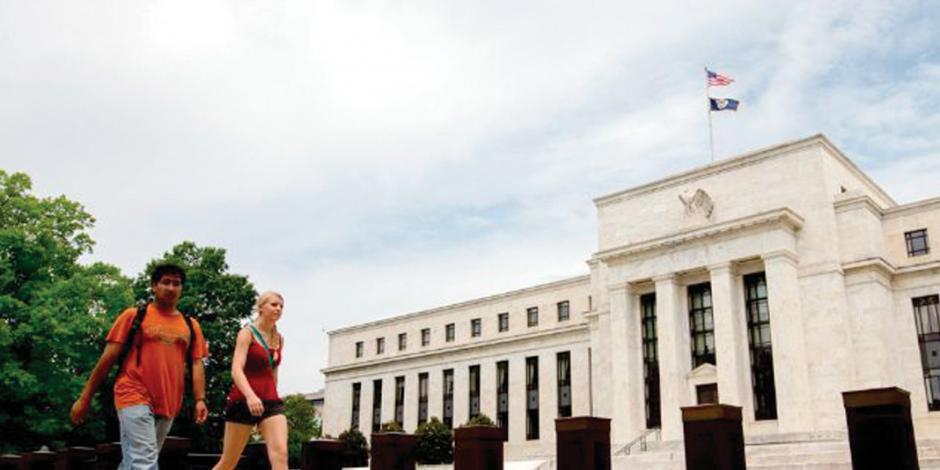 Por crecimiento económico, la Fed estima dos alzas de tasas en 2018