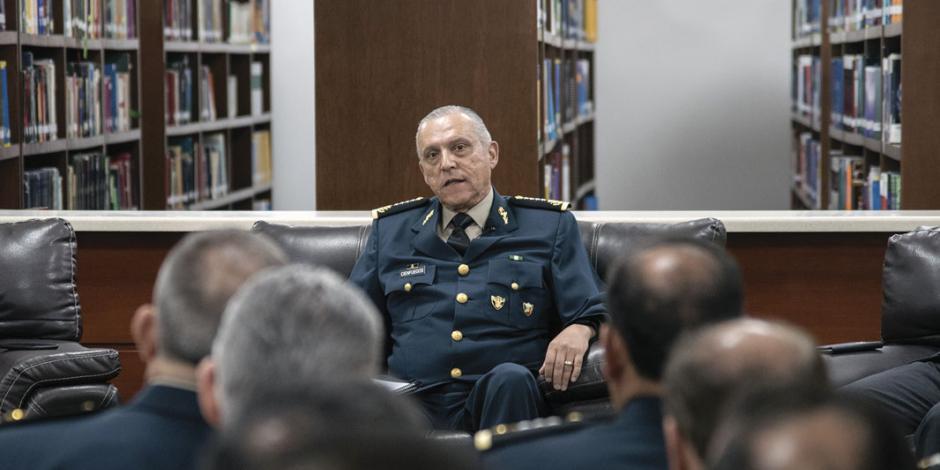 """Ejército pide un marco legal, no ley específica"""