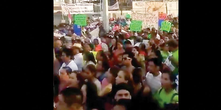 Ante reclamo, López Obrador ofrece consulta ciudadana