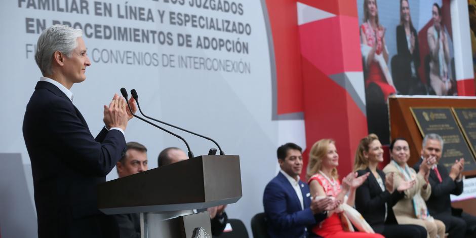 Inauguran en Edomex juzgado especializado en adopciones, es primero en su tipo