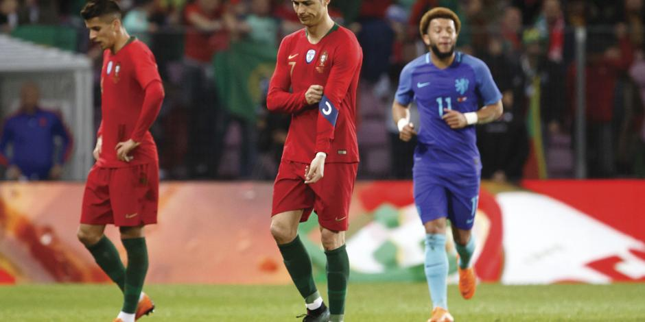 Holanda, sin Mundial, vence a CR7 y Portugal