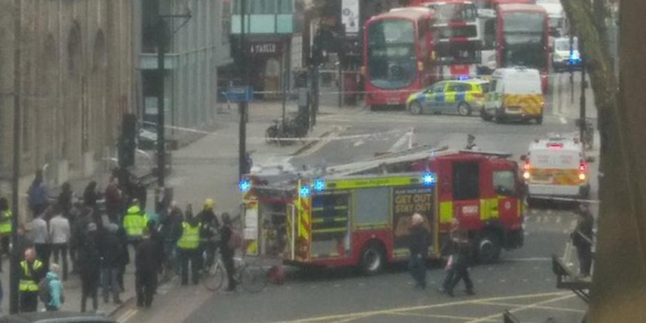 Desalojan oficinas de Cambridge Analytica por paquete sospechoso