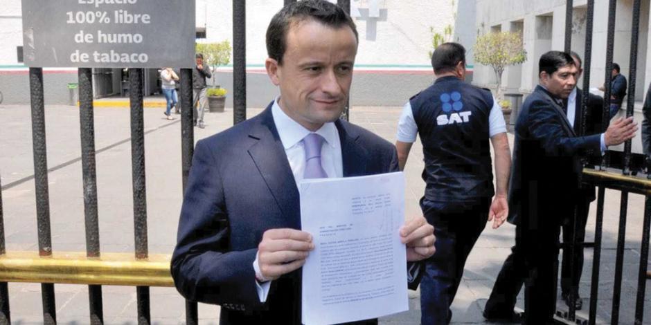 Mikel denuncia, otra vez, a Barrales