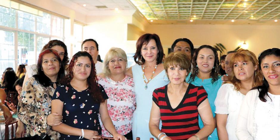 Carpinteyro, por estímulos fiscales a empresas que contraten mujeres