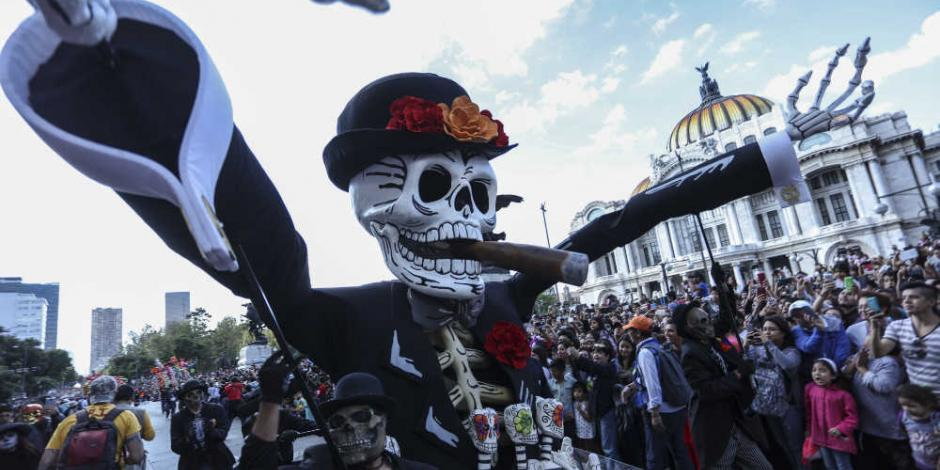Checa las alternativas viales ante cierres por Desfile de Día de Muertos