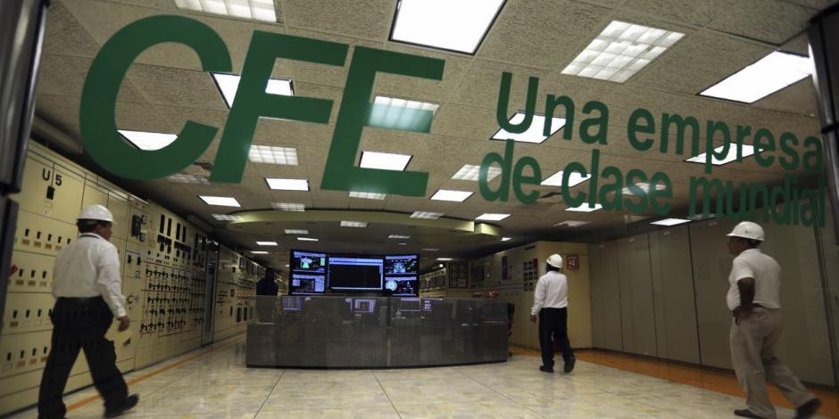 Roban oficinas de la CFE tras hacerse pasar por empleados