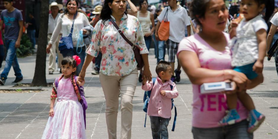 Son madres solteras 3 de cada 10 en México; 41% trabaja, señala Inegi