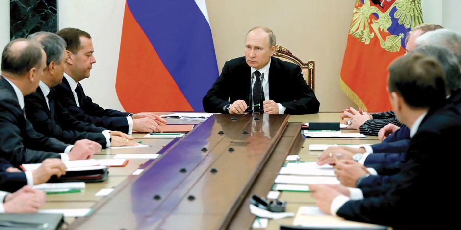 Putin eleva crisis: van 140 diplomáticos expulsados